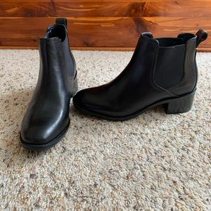 COLE HAAN LEATHER ANKLE BOOTIES